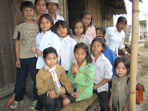 Khmu school children, 2005